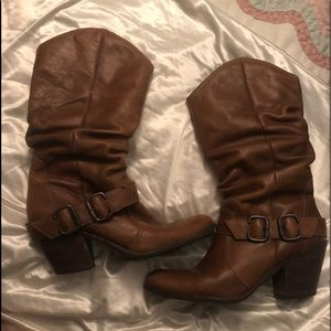 Gorgeous pair of scrunched style boots from Brazil
